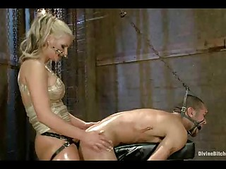 Dangerously gorgeous dom playing nasty with a manpet