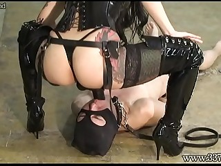 Japanese dominatrix makes slavery lick the ass and suck the strapon