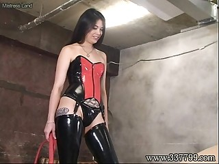 Japanese Mistress Alice slapped the face of slave.