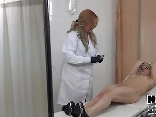 Cita Medical con Nora Barcelona & Mistress Noor. Making Of BDSM