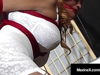 Asian Dungeon Mistress MaxineX Uses Ratchette Gag To Cum!