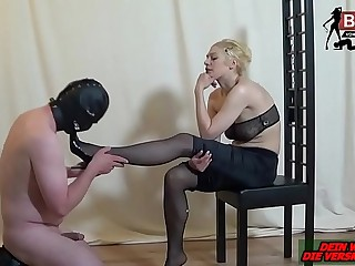 Fusserotik von Deutscher Herrin - german femdom lady foot fetish