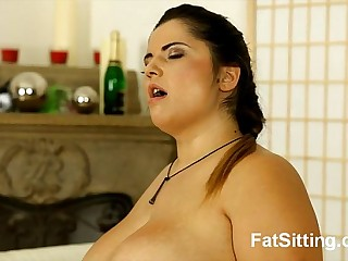hot bbw lenny sitting on guy face